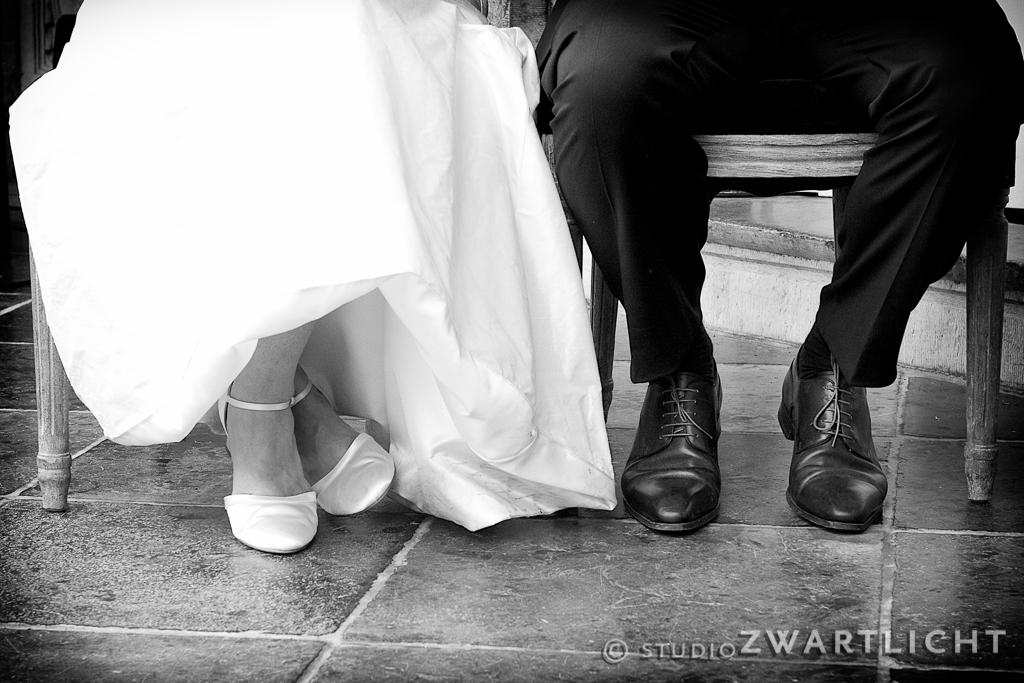 voeten_bruidspaar_zwart-wit