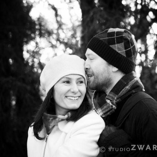 zwart-wit loveshoot liefkozing2