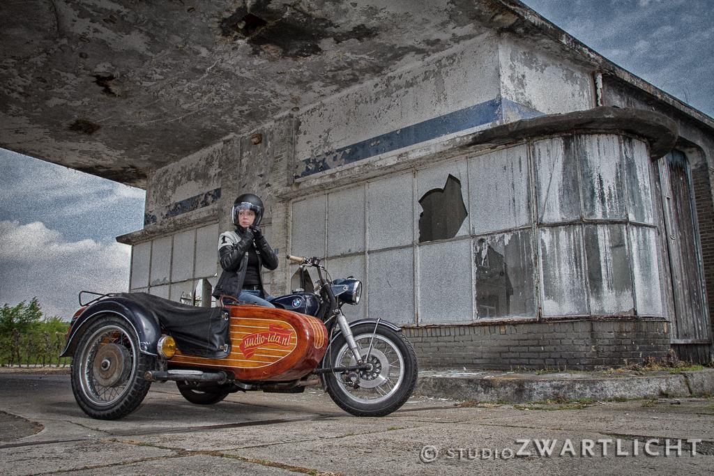 motorrijdster motorfiets zijspan urbex maastricht