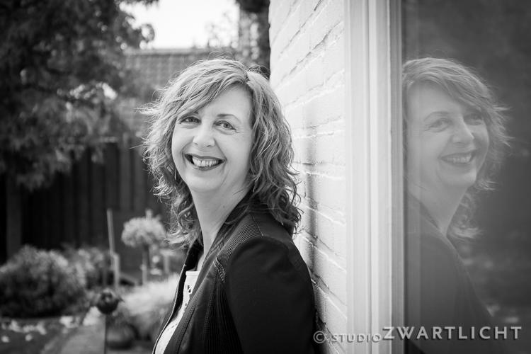 zwart-wit-portret-met-reflectie