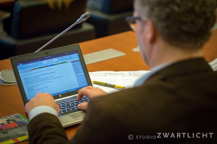 notities-maken-tijdens-conferentie
